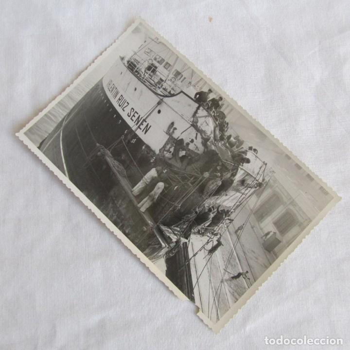 FOTOGRAFÍA REPARACIÓN DEL BUQUE A VAPOR VALENTÍN SUIZ SENEN 4-3-1950. CARTAGENA, 18X11 CM (Militar - Fotografía Militar - Otros)
