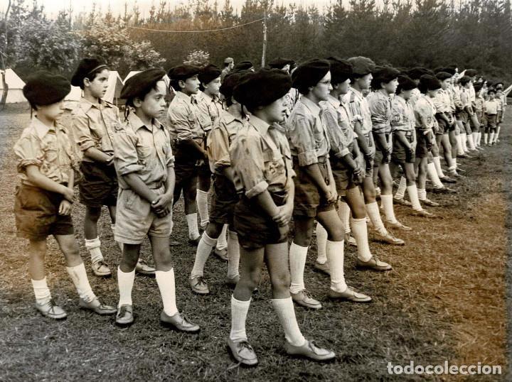 Militaria: 14 FOTOGRAFÍAS CAMPAMENTOS DE LA OJE. ORGANIZACIÓN JUVENIL ESPAÑOLA. VARIAS ACTIVIDADES.- 24 X 18 CM - Foto 5 - 140238190