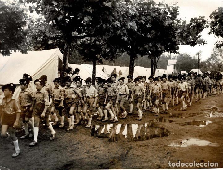 Militaria: 14 FOTOGRAFÍAS CAMPAMENTOS DE LA OJE. ORGANIZACIÓN JUVENIL ESPAÑOLA. VARIAS ACTIVIDADES.- 24 X 18 CM - Foto 7 - 140238190
