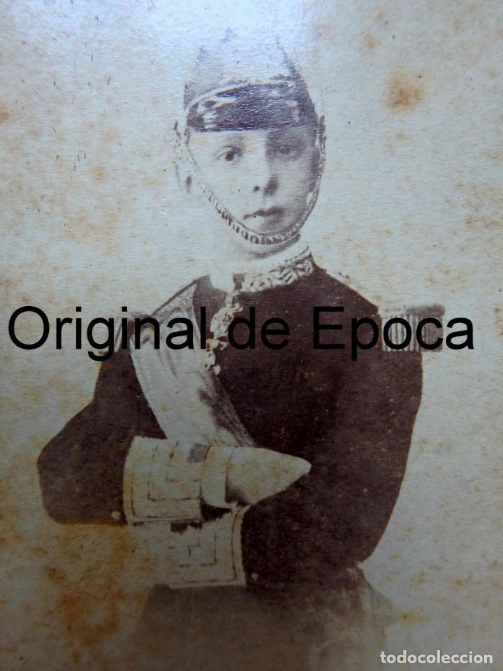 Militaria: (JX-181154)Fotografía de un jovencisimo Rey D. Alfonso XII con uniforme de Capitán General . - Foto 2 - 140242866
