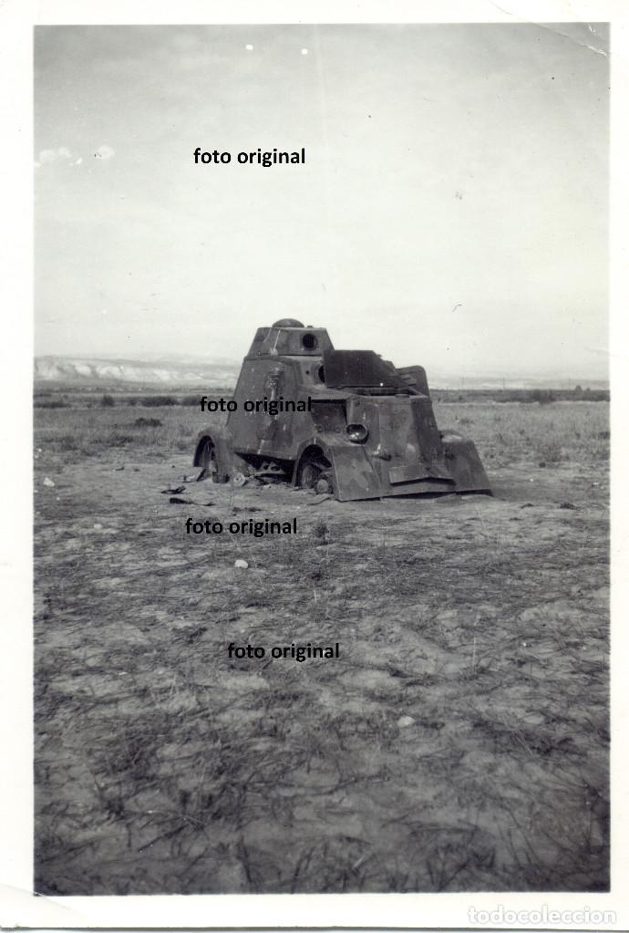 TANQUE T-26 RUSO DESTROZADO FRENTE ZUERA ZARAGOZA BATALLA EBRO GUERRA CIVIL CTV (Militar - Fotografía Militar - Guerra Civil Española)