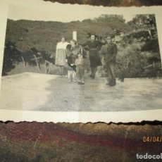 Militaria: DOS FOTOS ANTIGUAS DE CEUTA CAPITAN COMBATIENTE GUERRA CIVIL CIRCA 1939. Lote 141737534
