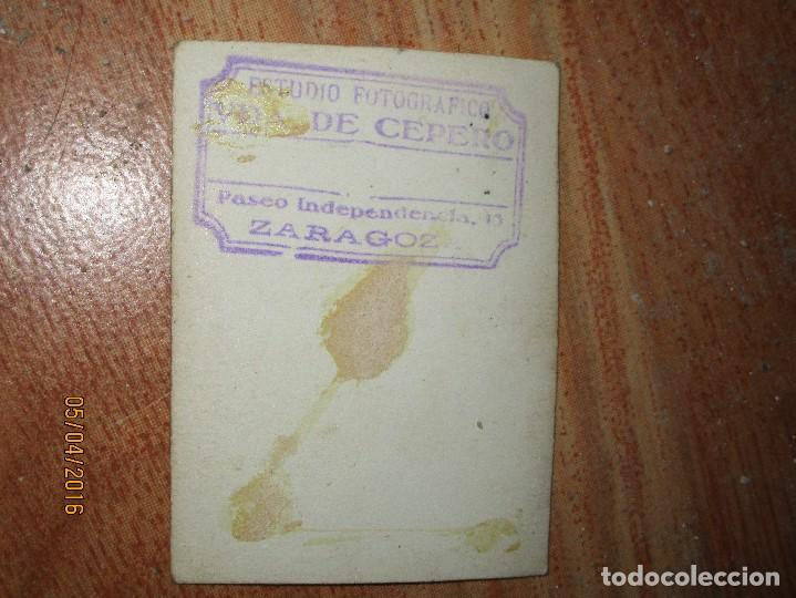 Militaria: OFICIAL O SOLDADO CON GORRO Y MEDALLA CON CRUZ GUERRA CIVIL ZARAGOZA 1938 FIRMADA - Foto 3 - 141856750