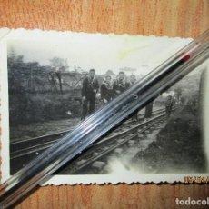 Militaria: SOLDADOS CEUTA EN VIA FERREA GUERRA CIVIL CIRCA 1939. Lote 141857062