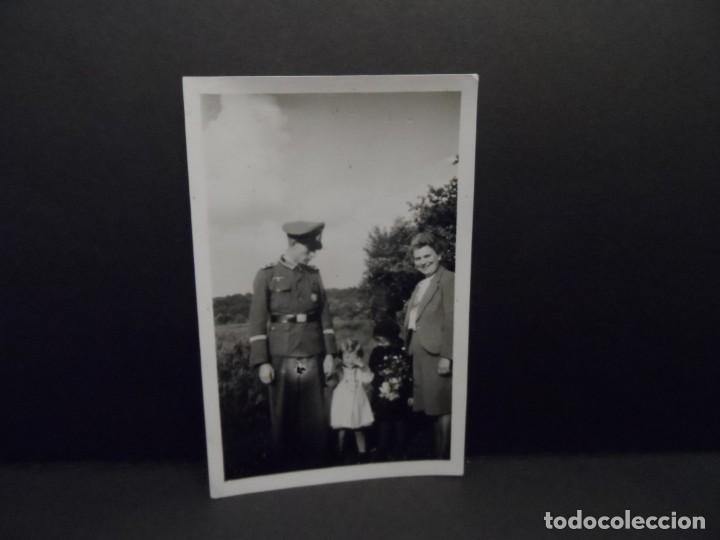 Militaria: OFICIAL DE LA WEHRMACHT CONDECORADO CON SU FAMILIA. AÑOS 1939-45 - Foto 2 - 142091562