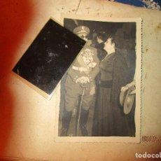 Militaria: CORONEL GENERAL MOSCARDO FOTO INEDITA ORIGINAL 1956 CON TODAS SUS MEDALLAS Y ESPADA EN MADRID. Lote 142292790