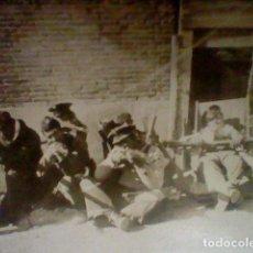 Militaria: SOLDADOS CREO REPUBLICA GUERRA CIVIL O SIMILAR PEQUEÑA FOTO APUNTANDO POSE . Lote 143299338