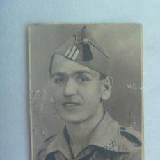 Militaria: GUERRA CIVIL : FOTO DE CARNET DE SARGENTO NACIONAL ON GORRILLO. MALAGA, 1939. Lote 143395866