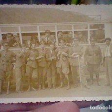 Militaria: MILITARES CREO REPUBLICA GUERRA CIVIL OFICIALES AUTOBUS . Lote 143617018