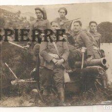 Militaria: ANTIGUA FOTO-POSTAL, MILITARES EN BARCELONA, 1935, 8X13. Lote 143993070