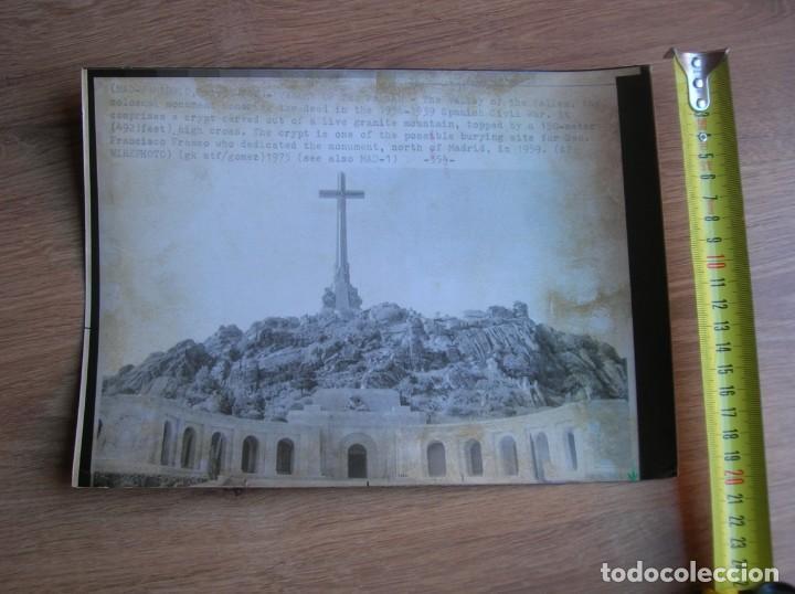 FOTOGRAFIA DE AGENCIA NORTEAMERICANA DEL VALLE DE LOS CAIDOS. DICIEMBRE DE 1975. (Militar - Fotografía Militar - Otros)