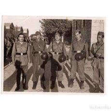 Militaria: FOTOGRAFÍA MILITARES ESPAÑOLES 11,5 X 8,5 CM. Lote 145659954