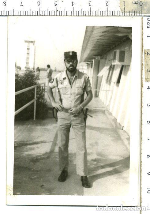 FOTOGRAFIA DE POLICÍA TERRITORIAL DEL SAHARA CON TERESIANA EMBLEMAS EN EL PECHO ETC. (Militar - Fotografía Militar - Otros)