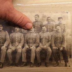Militaria: FOTOGRAFÍA DE GRAN TAMAÑO DE LA GUARDIA CIVIL REGLAMENTO DEL 1910 GORRO PANADERO. Lote 147574140