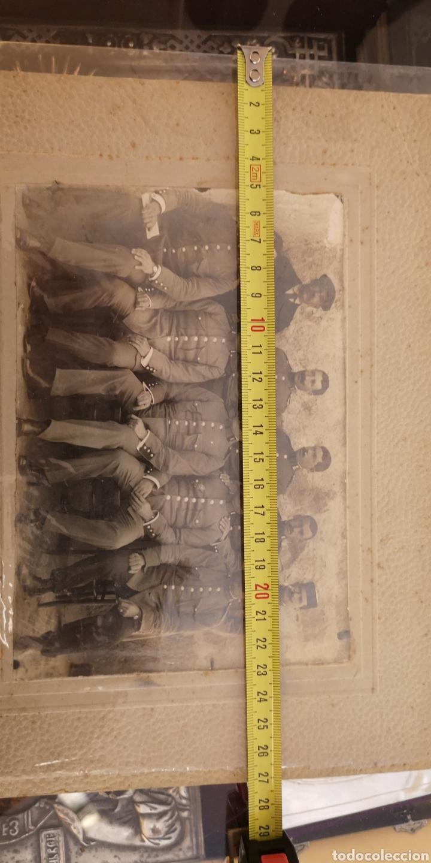 Militaria: Fotografía de gran tamaño de la Guardia Civil reglamento del 1910 gorro panadero - Foto 2 - 147574140