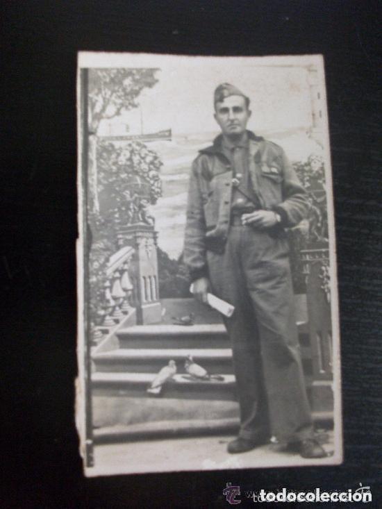 GUERRA CIVIL: MINUTERO FOTOGRAFO CALLEJERO DE SARGENTO PROVISIONAL CON CAZADORA Y GORRILLO (Militar - Fotografía Militar - Guerra Civil Española)