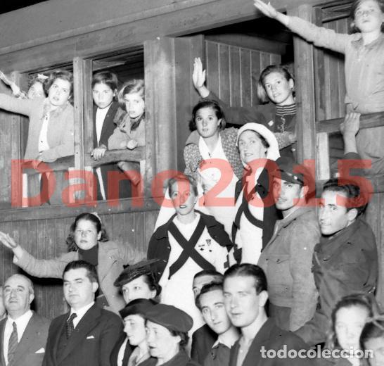 REGRESO DE NIÑOS DESPUES DE LA GUERRA CIVIL ESPAÑOLA 1939 - NEGATIVO DE CRISTAL - FOTOGRAFIA ANTIGUA (Militar - Fotografía Militar - Guerra Civil Española)