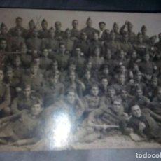 Militaria: FOTOGRAFIA MILITAR, FOTO EN GRUPO DE MILITARES,FOTOGRAFO CHINCHILLA TARRAGONA. Lote 148098306
