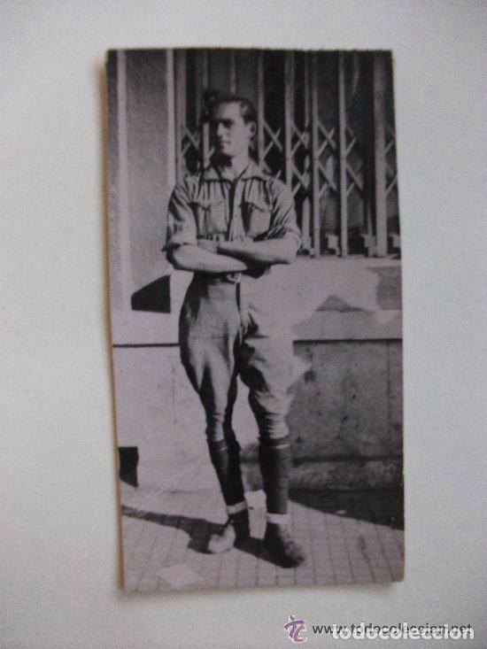 GUERRA CIVIL : FOTO DE MILITAR DE INFANTERIA CON CALCETINES VUELTOS, 1938 (Militar - Fotografía Militar - Guerra Civil Española)