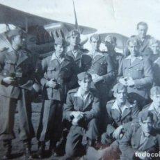 Militaria: FOTOGRAFÍA SOLDADOS AVIACIÓN. HEINKEL HE 51 MURCIA. Lote 149738754