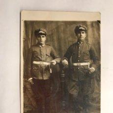Militaria: GUERRA CIVIL. FOTOGRAFÍA ORIGINAL. PAREJA DE MILITARES DEL CUERPO DE INGENIEROS... (H.1940?). Lote 150779401