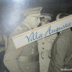 Militaria: FOTO ORIGINAL INEDITA OFICIALES ALTOS MANDOS CON MEDALLAS EXCOMBATIENTES GUERRA CIVIL LEGION. Lote 151177326