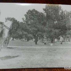 Militaria: FOTOGRAFIA DE JUAN LUIS BEIGBEDER Y ATIENZA JUNTO CON OFICIALES FRANCESES, DURANTE LA GUERRA CIVIL E. Lote 151941250