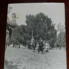 Militaria: FOTOGRAFIA DE JUAN LUIS BEIGBEDER Y ATIENZA JUNTO CON OFICIALES FRANCESES, DURANTE LA GUERRA CIVIL E. Lote 151941342