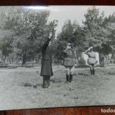 Militaria: FOTOGRAFIA DE JUAN LUIS BEIGBEDER Y ATIENZA JUNTO CON OFICIALES FRANCESES, DURANTE LA GUERRA CIVIL E. Lote 151941454