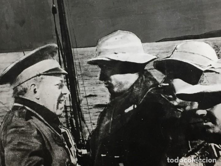 Militaria: antigua fotografía francisco franco guerra civil general sanjurjo embarcados alta mar áfrica s xx - Foto 2 - 152238306