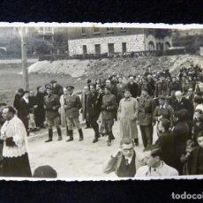 Militaria: ANTIGUA FOTOGRAFÍA ORIGINAL GUERRA CIVIL. PHOTO CARTE SAN SEBASTIAN, 1936. DESFILE, PROCESIÓN. 13X8,. Lote 152419834