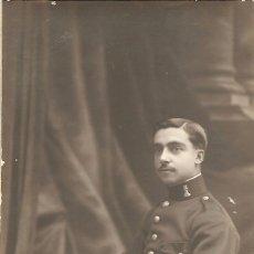 Militaria: FOTOGRAFÍA ANTIGUA DE UN MILITAR - TARJETA POSTAL - AMER FOTÓGRAFO, BARCELONA - FECHADO 1915. Lote 153353226