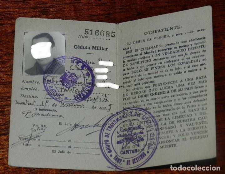 Militaria: CARNET GUERRA CIVIL, REPUBLICA ESPAÑOLA, EJERCITO POPULAR, CEDULA MILITAR DE IDENTIDAD, FECHADO EL 1 - Foto 2 - 153714614