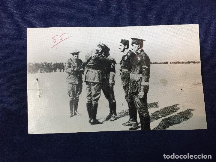Militaria: antigua fotografía imposición de la medalla militar al comandante franco legión dar drius 1923 - Foto 3 - 154221254