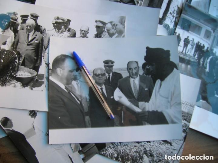 Militaria: RARAS FOTOGRAFIAS INEDITAS DE FRAGA Y MILITARES VISITANDO SAHARA, IFNI, AIIUN, VILLA CISNEROS. - Foto 2 - 154719546