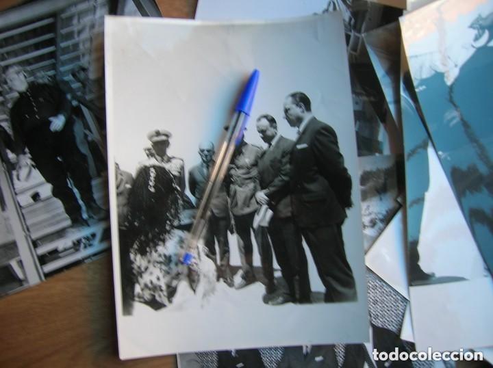 Militaria: RARAS FOTOGRAFIAS INEDITAS DE FRAGA Y MILITARES VISITANDO SAHARA, IFNI, AIIUN, VILLA CISNEROS. - Foto 8 - 154719546