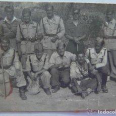 Militaria - GUERRA CIVIL O POST GUERRA : MILITARES POSANDO , OFICIALES Y PROVISIONALES - 155294538