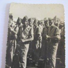 Militaria: FOTOGRAFIA DE LEGIONARIOS - AÑOS 50/60 - 10X7 - . Lote 155491178
