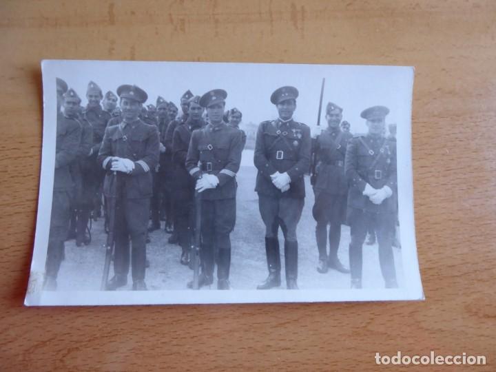 Militaria: Fotografía soldados ingenieros del ejército español. Ceuta 1940 - Foto 2 - 155536614