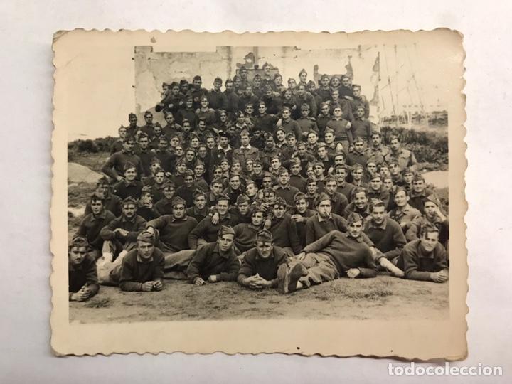 MILITAR. CAMPAMENTO DE LAUCIEN. TETUÁN. FOTOGRAFÍA GRUPO REGIMIENTO. RECUERDO DE JAIME (A.1946) (Militar - Fotografía Militar - Otros)