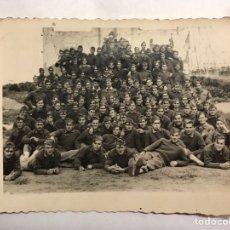 Militaria: MILITAR. CAMPAMENTO DE LAUCIEN. TETUÁN. FOTOGRAFÍA GRUPO REGIMIENTO. RECUERDO DE JAIME (A.1946). Lote 155704605