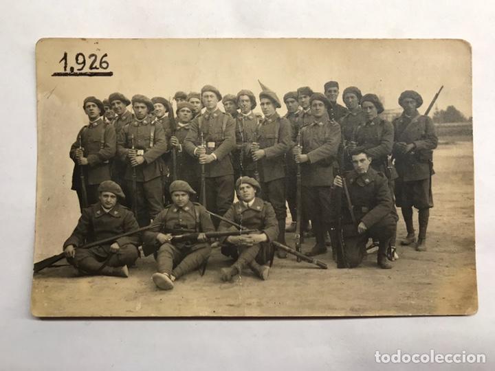 MILITAR. EJÉRCITO ESPAÑOL DE CAZADORES??? ARMADOS. FOTOGRAFÍA ORIGINAL (A.1926) (Militar - Fotografía Militar - Otros)
