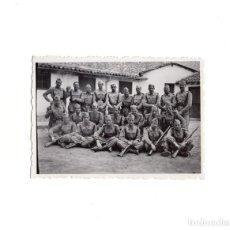 Militaria: FOTOGRAFÍA SOLDADOS 16 MAYO 1942 - 8,5 X 6 CM. Lote 156644678