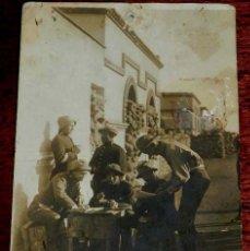 Militaria: FOTOGRAFIA DE SOLDADOS DEL REGIMIENTO N. 43, GUERRA DEL RIF, TAMAÑO POSTAL.. Lote 156968074