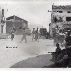 Militaria: ENTRADA TROPAS CTV ITALIANO EN SARRION (TERUEL) BATALLA LEVANTE 1938 GUERRA CIVIL. Lote 158018506