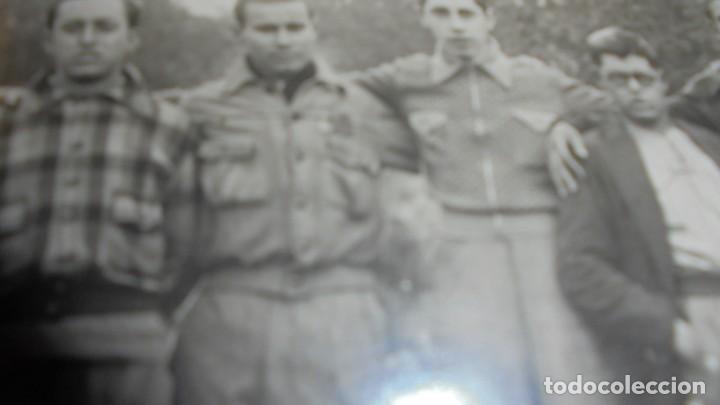 Militaria: GUERRILLEROS MAQUIS - ANTIGUA FOTOGRAFIA ORIGINAL MONTADA SOBRE CARTULINA EL SEÑOR DE LA GORRA SE - Foto 3 - 158043614