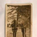 Militaria: MILITAR. FOTOGRAFÍA ANTIGUA. SOLDADOS DE GALA CON SABLE. ALFONSO XIII (H.1910?). Lote 159061133