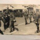 Militaria: MILITAR. FOTOGRAFÍA. JURA DE BANDERA. REGIMIENTO DE INFANTERÍA OVIEDO 63. LAUCIEN, TETUAN (H.1960?). Lote 159429124