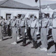 Militaria: FOTOGRAFÍA LEGIONARIOS. 1953. Lote 159909398