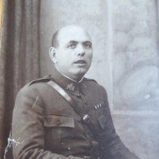Militaria: FOTOGRAFÍA ALFÉREZ INFANTERÍA DEL EJÉRCITO ESPAÑOL. SEGOVIA. Lote 159910922